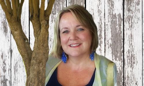 Pastor Liz Lapsley